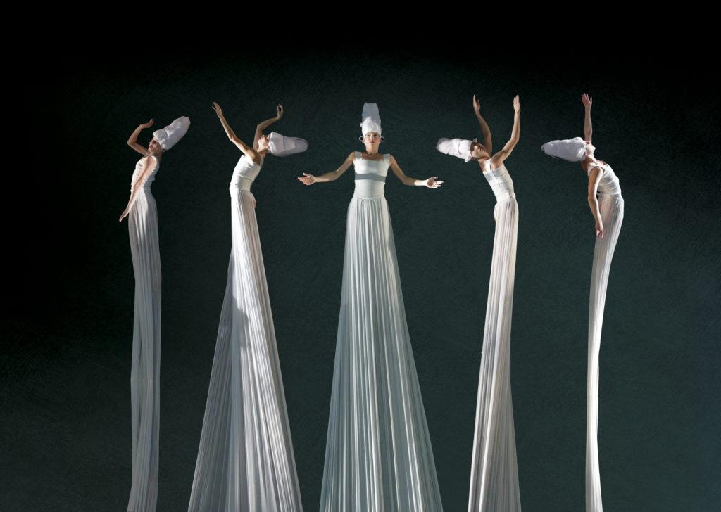 Балет в невесомости, или отражения танца