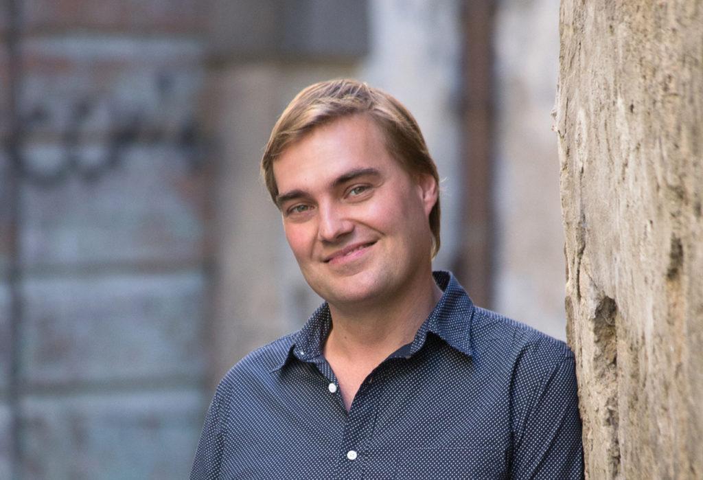 Евгений Хохлов: <br>оперный мир сегодня живет иначе