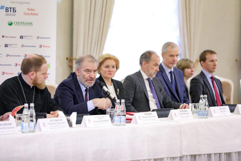 В Белом зале Мэрии Москвы состоялась пресс-конференция, посвященная XVIII Московскому Пасхальному фестивалю Валерия Гергиева