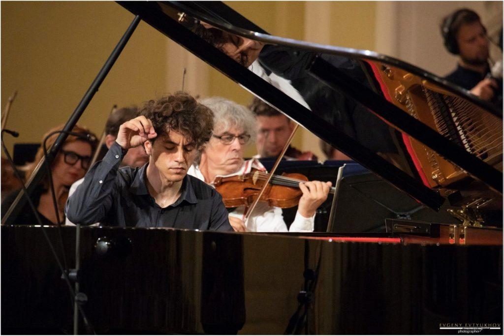 Читатели «Музыкальной жизни» отдали голоса за Константина Емельянова