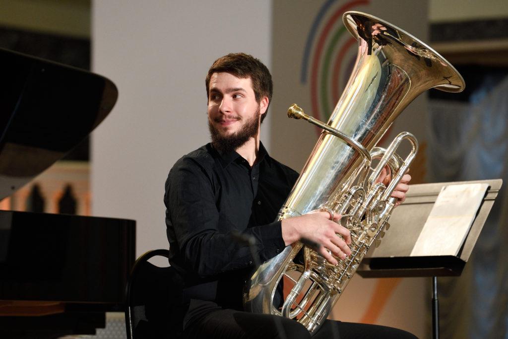 Трубы, валторны, тромбоны и тубы перешли в наступление