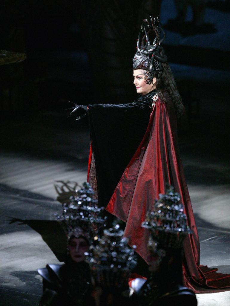 Маквала Касрашвили:  <br>Ястаралась подражать знаменитым певцам–  иуменя это получалось