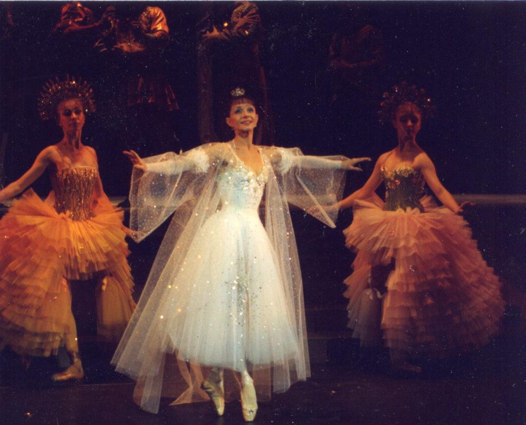 Звезды балета вспоминают Екатерину Максимову на праздничном гала в Москве