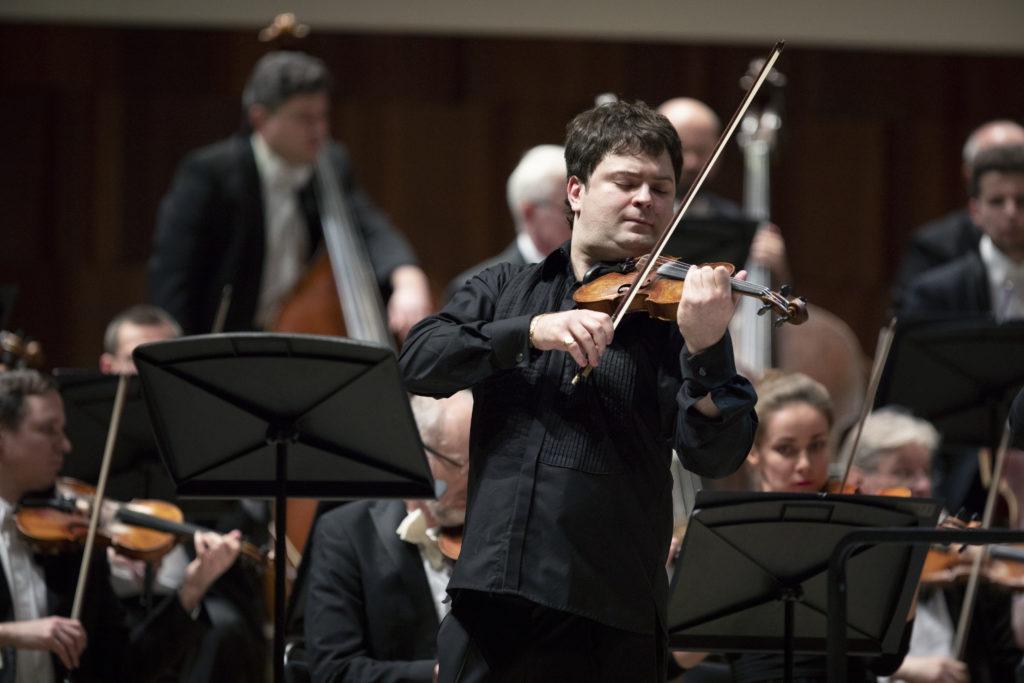 Иван Почекин: <br>Шостакович – один из любимых, близких и родных композиторов для меня