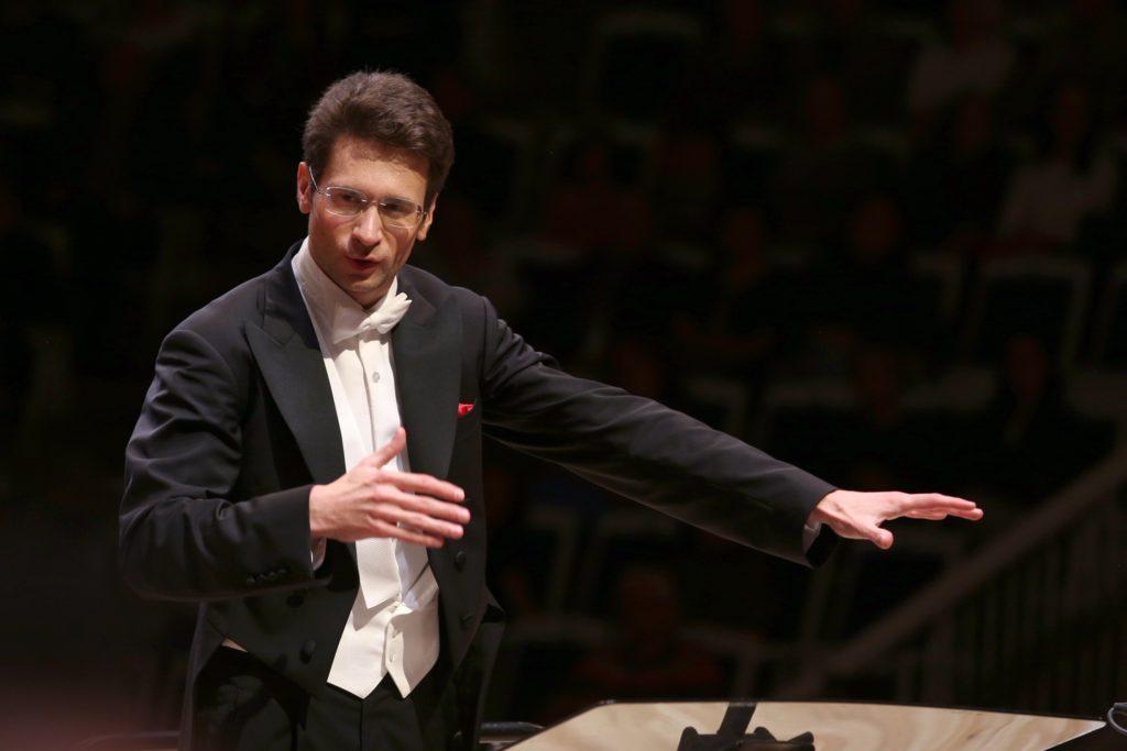 Михаил Шехтман продирижирует Шестой симфонией Чайковского