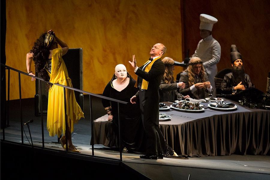 """""""Новая Опера"""" продолжает серию трансляций с записями лучших спектаклей"""