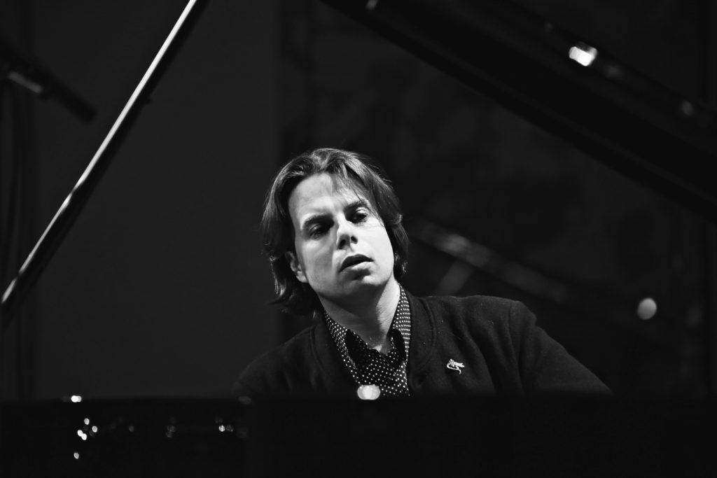 Яков Кацнельсон: <br>Для того, чтобы композиторы продолжали жить, мы должны их играть