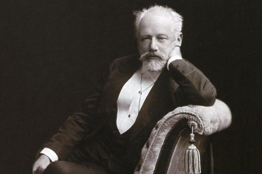 «Музыкальная жизнь» объявляет конкурс «Чайковский из дома»