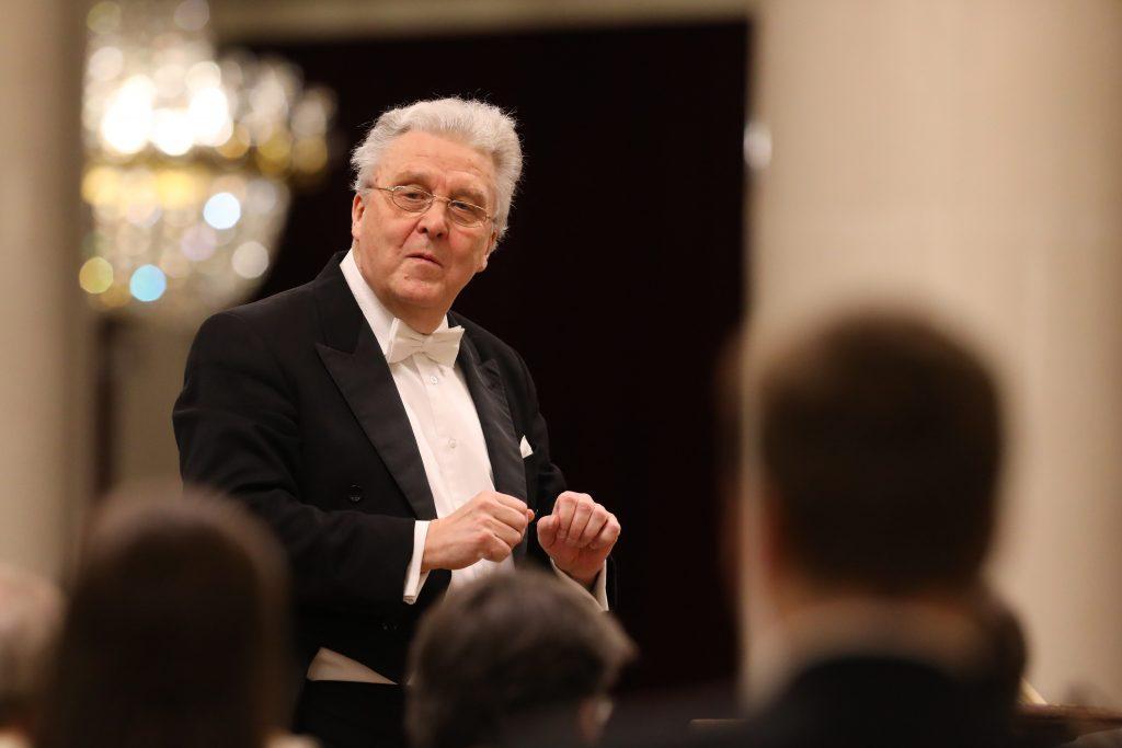 Василий Синайский: <br>Люблю вариться в оперном жанре