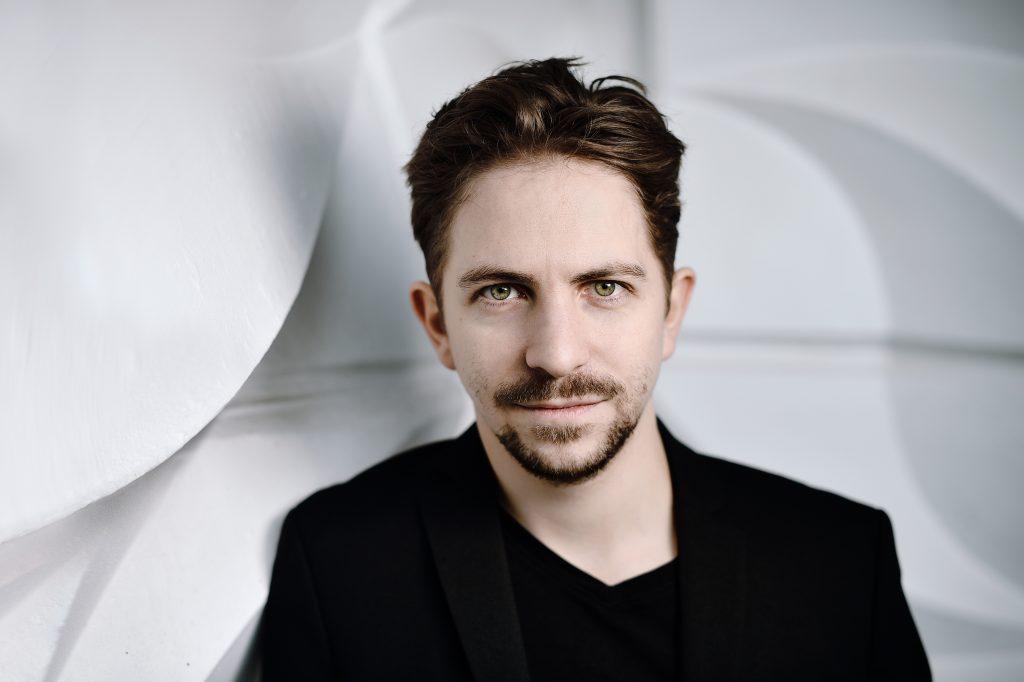 Немецкий дирижер Грегор Майерхофер впервые выступит в России с оркестром musicAeterna