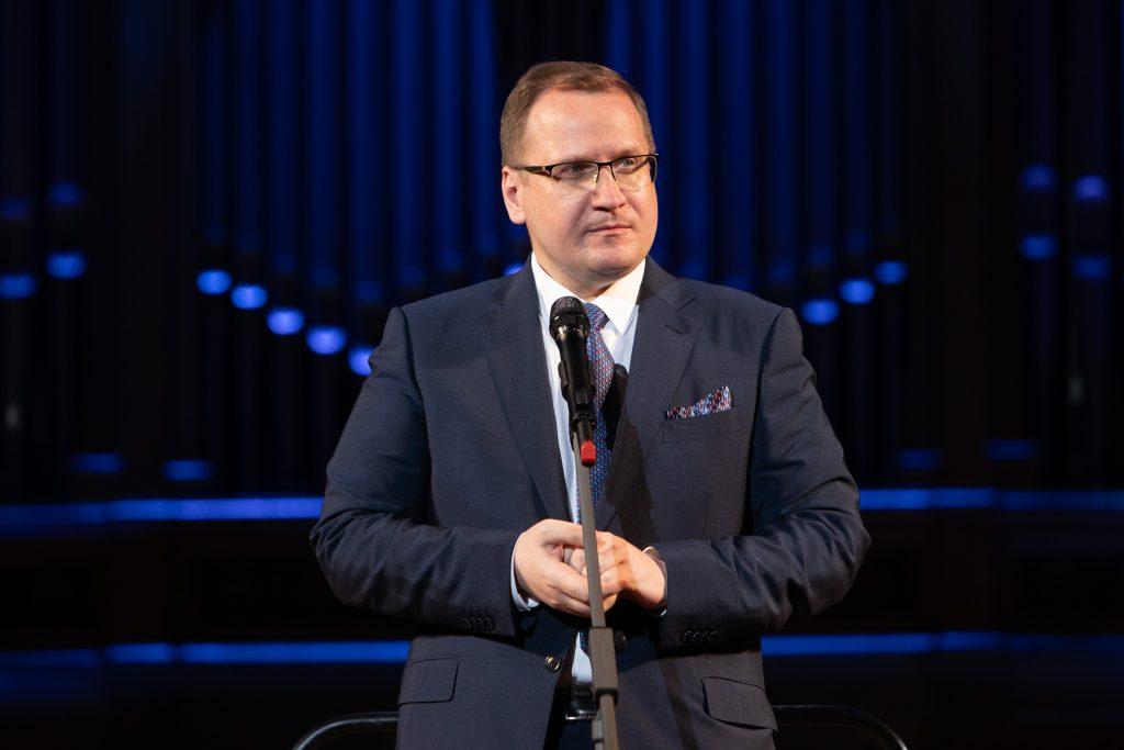 Андрей Борисов: <br>Мы должны помогать начинающим певцам состояться в карьере